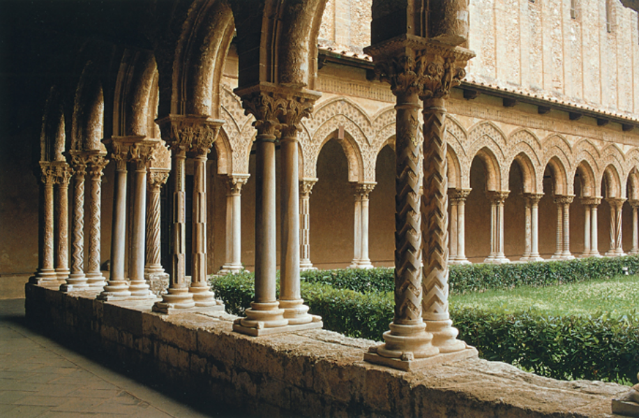By-the-Treasury-in-the-Cloister,-Canonical---Green-trail.